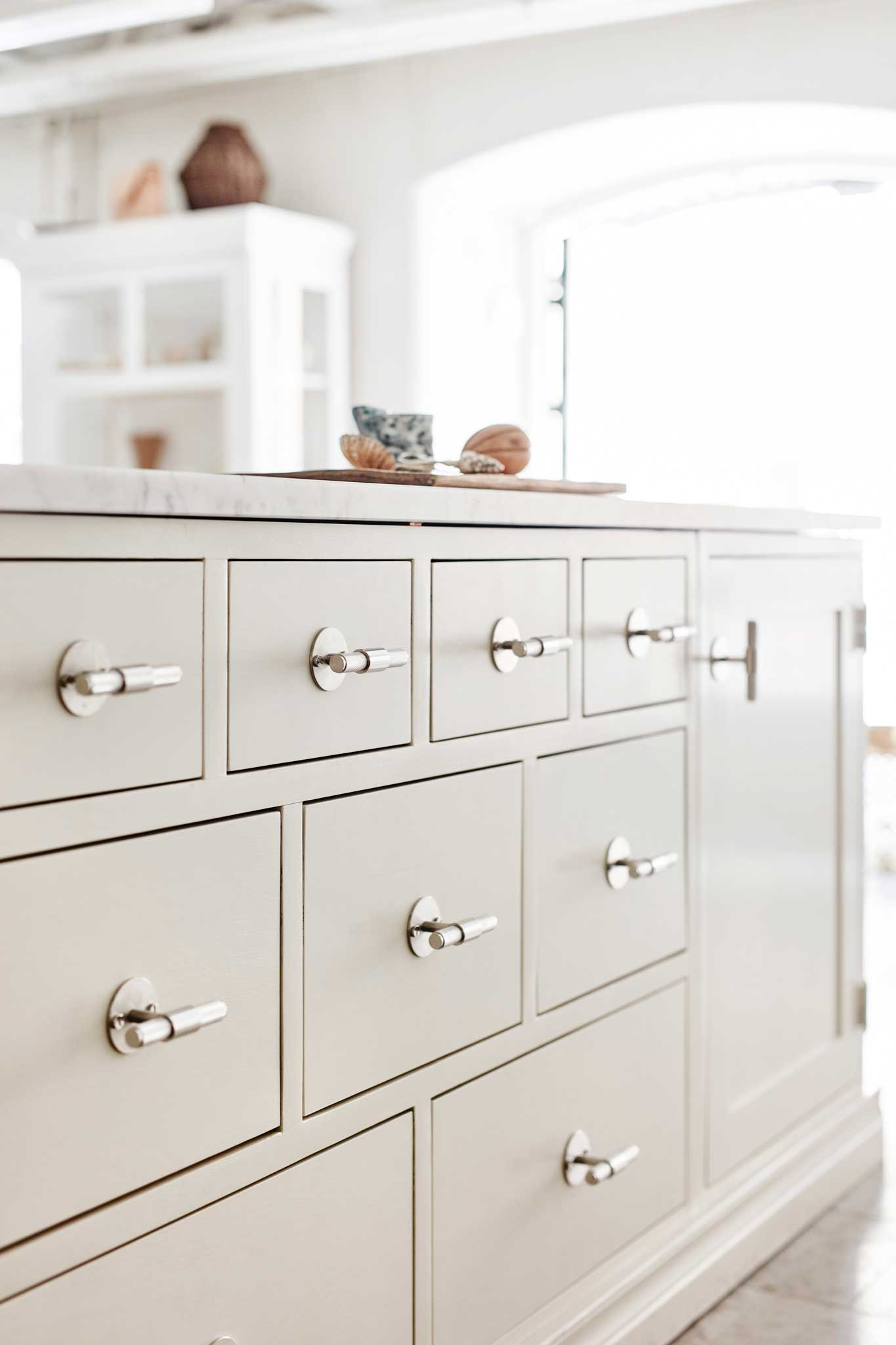 Cream colored merchant counter cupboard Scandinavian Shaker Kitchen
