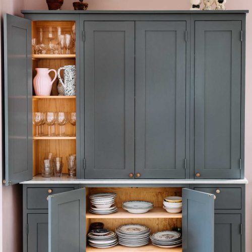 Dark gray Scandinavian Shaker Kitchen