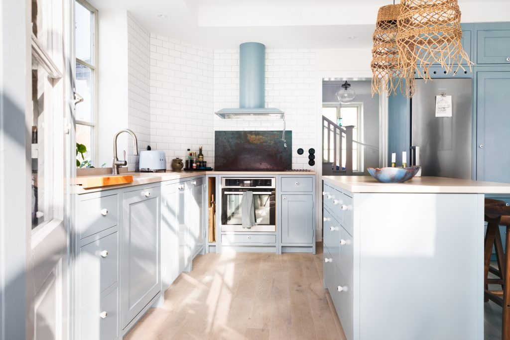 Light blue Scandinavian Shaker Kitchen
